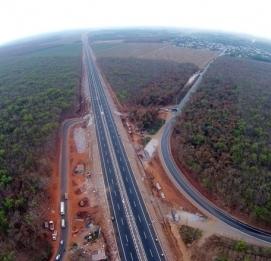 Cao tốc hiện đại nhất Việt Nam trước lễ thông xe - VĨNH HƯNG JSC