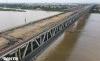 Cận cảnh đại công trường sửa chữa mặt cầu Thăng Long - VĨNH HƯNG JSC