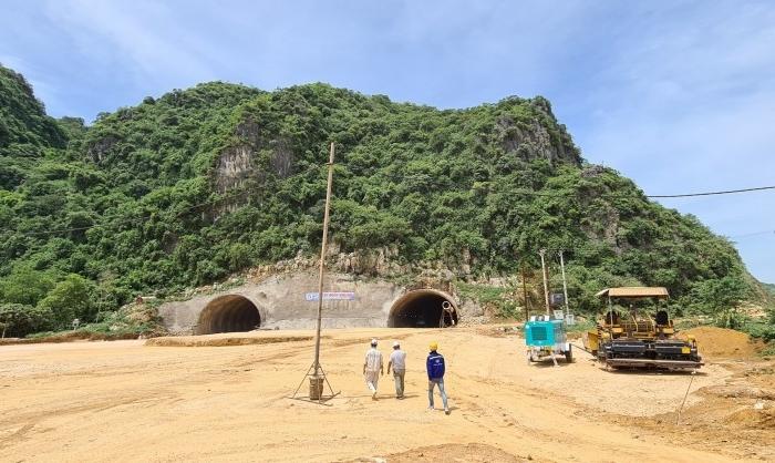 Cao tốc Mai Sơn – Quốc lộ 45 đẩy nhanh tiến độ thi công - VĨNH HƯNG JSC